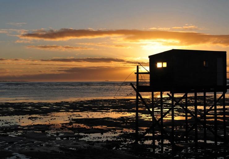 Coucher de soleil sur la mer à la rochelle