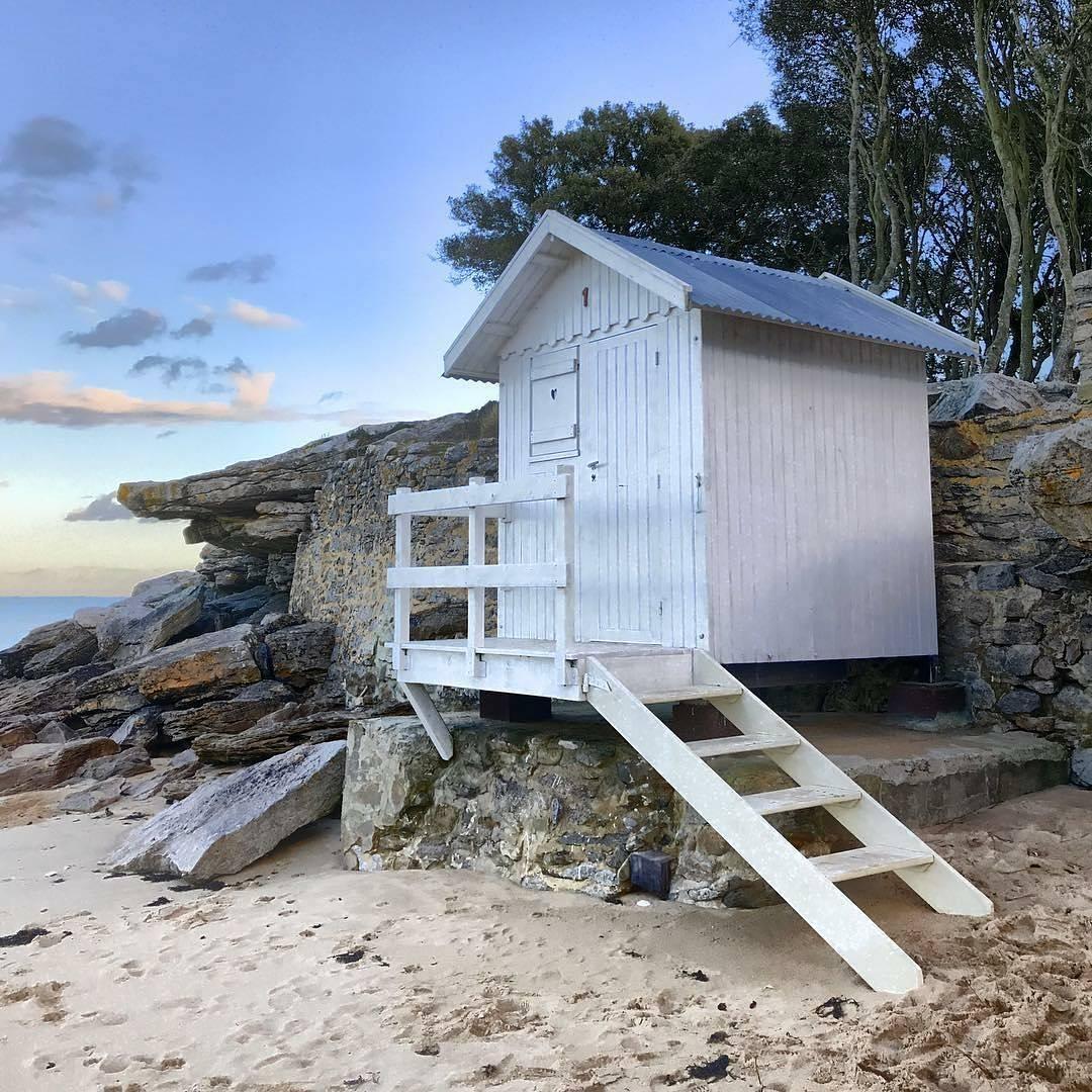 cabane de pecheur sur la plage à Noirmoutiers
