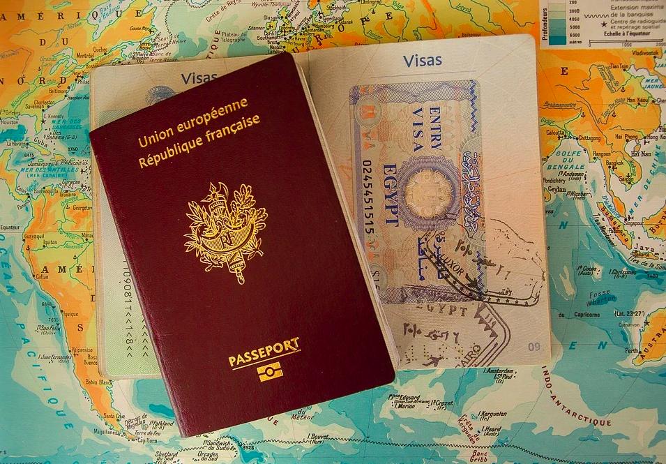 Comment demander ou renouveler mon passeport ? Quelles sont les démarches ?